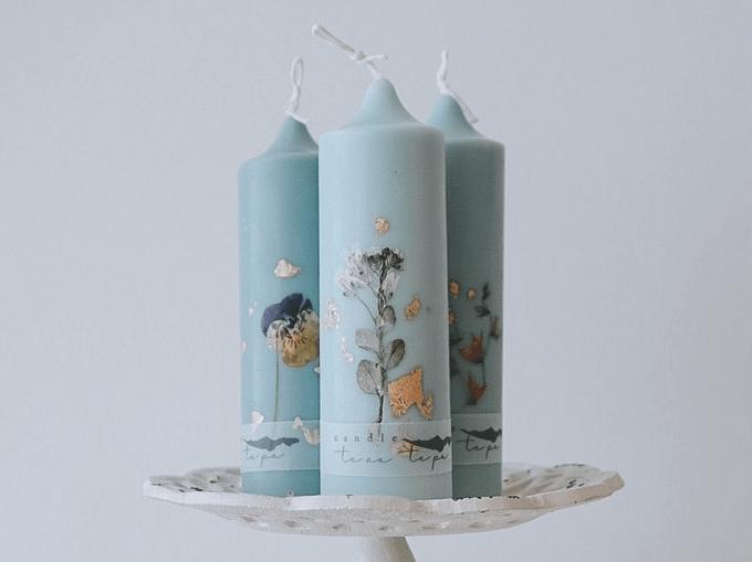 「te ao te po candle(テ アオ テ ポ キャンドル)」の水色のソイキャンドル3本