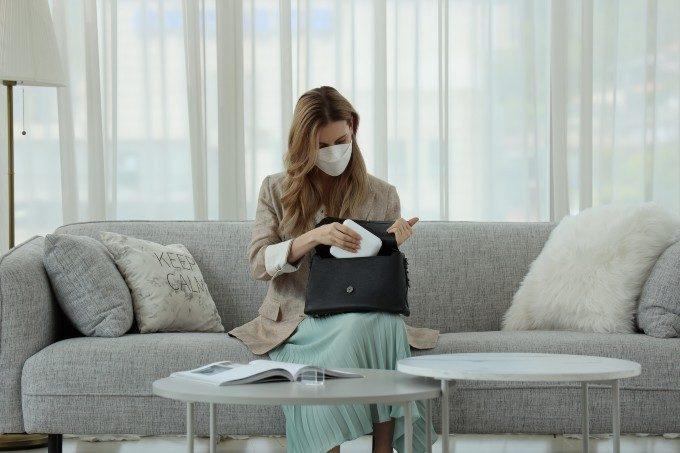 一度外したマスクの不快感を解消。除菌と乾燥でいつでも清潔な「マスク除菌ケース」