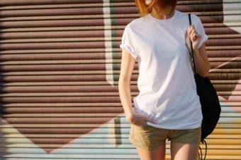 普通のTシャツもおしゃれに見える。引き締まった上半身をつくる「筋トレ」3STEP