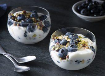 朝食やおやつに最適。栄養価の高いブルーベリーを使ったレシピ<2選>