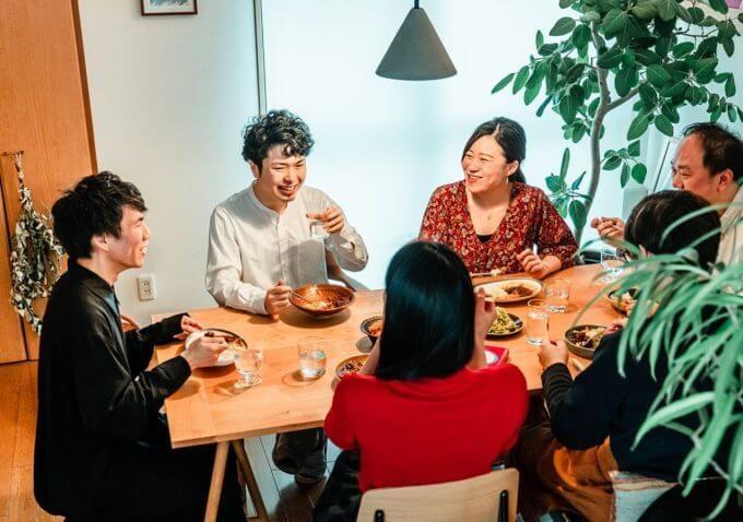 本格的なカレーを自宅で手軽に楽しめる。「6curry」のレトルトカレー&スパイスキット