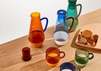 光の透過でより美しく輝く。「MoMA Design Store」のガラス&アクリル製品