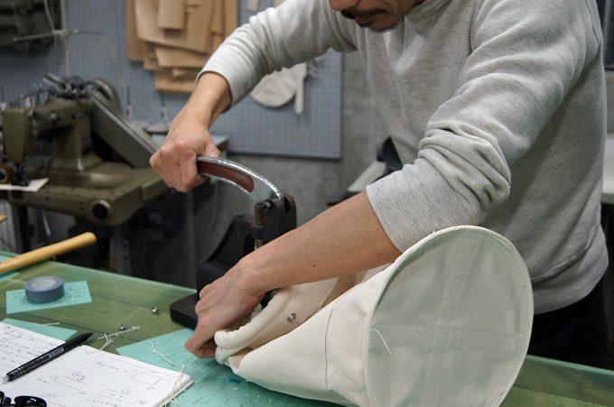 シンプルなようで一味違う。「SILVER」が作る、工具入れを元にした機能的なトートバッグ