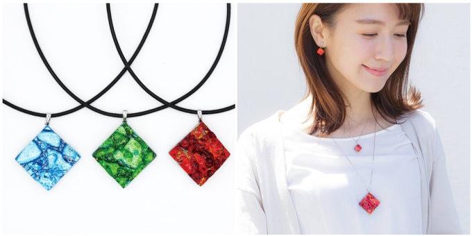 深みのある色と輝きに思わず釘付け。「福村硝子」のガラスのネックレス