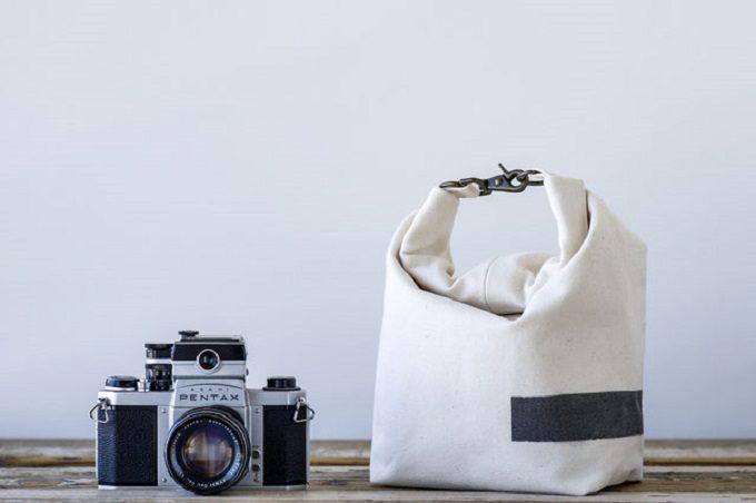 多様な使い方を楽しめる。様々に形や表情を変える「0291factory」のカメラバッグ