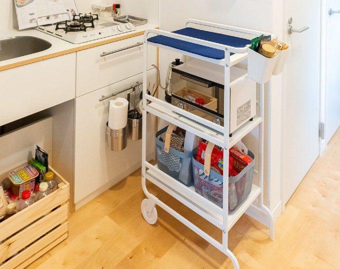 デッドスペースを有効活用。おしゃれで万能なキッチンワゴンで収納名人