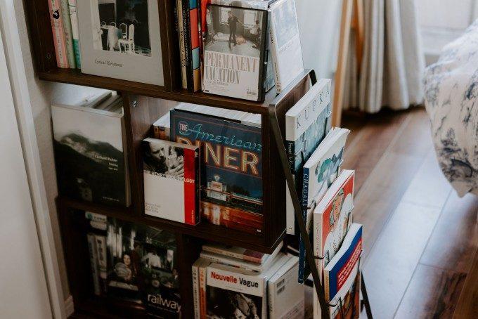 大好きな本に囲まれて暮らす。漫画本をおしゃれに収納する7つのおすすめアイデア