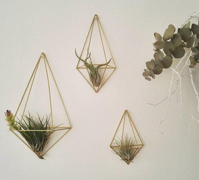 北欧の伝統装飾品がモダンな雰囲気に。植物も飾れる「Brass Himmeli」の真鍮のヒンメリ