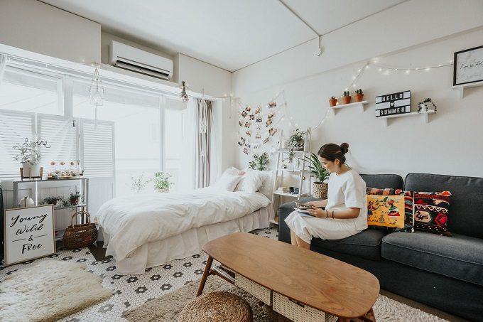 ソファを置いても部屋を広く使える。1K・ワンルームの家具選び&配置のしかたのコツ