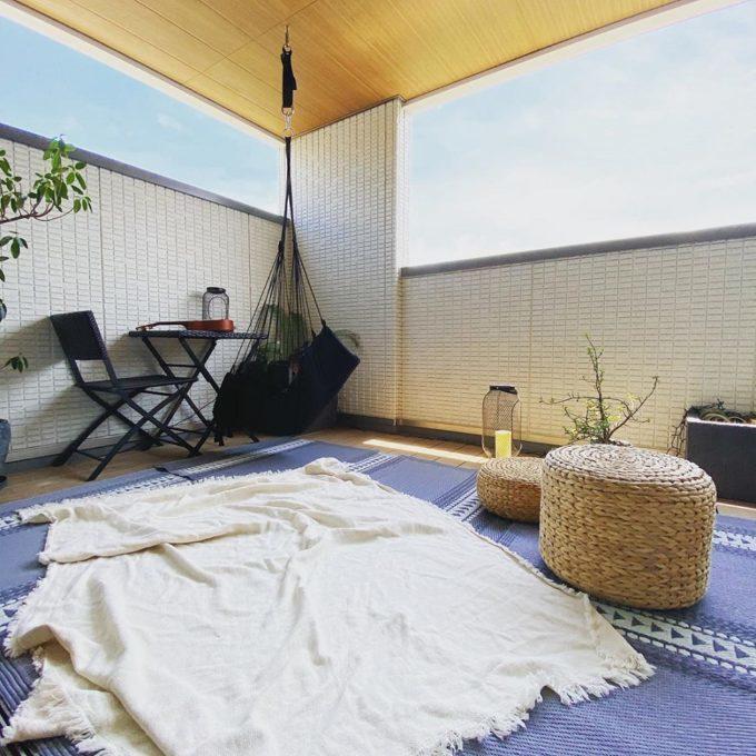 小さなスペースで楽しむ。ベランダを「くつろぎスペース」に変える楽しみ方アイデア