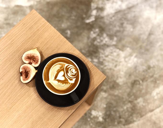 ほっと一息つける美味しいドリンクやフード。和と洋の融合が魅力的なコーヒー&ティースタンド