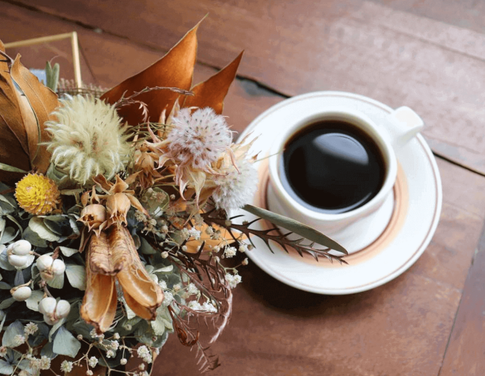 良い香り漂う店内。こだわりのコーヒーやお菓子が楽しめるカフェ「PANTRY COFFEE」