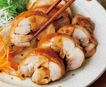 電子レンジで加熱するだけ。甘辛しょうゆが染み込んだ絶品「てりてり鶏チャーシュー」のレシピ