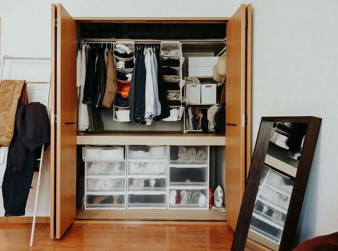 限りある空間を開放的に、おしゃれに見せる。鏡を使ったインテリア実例