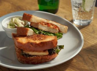 こだわり食材を使用。手作りの温かい味を届けるサンドイッチ・ハンバーガー専門店