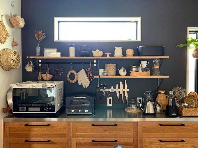 調味料・食器をどこに置くか場所に迷わない、綺麗に収納されたキッチン