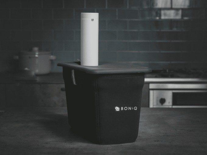 本格料理がこれひとつで。幅広いメニューが手軽に作れる家庭用低温調理器「BONIQ 2.0」