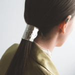 いつもの髪型に上品さをプラス。「SYKIA」のヘアアクセサ...