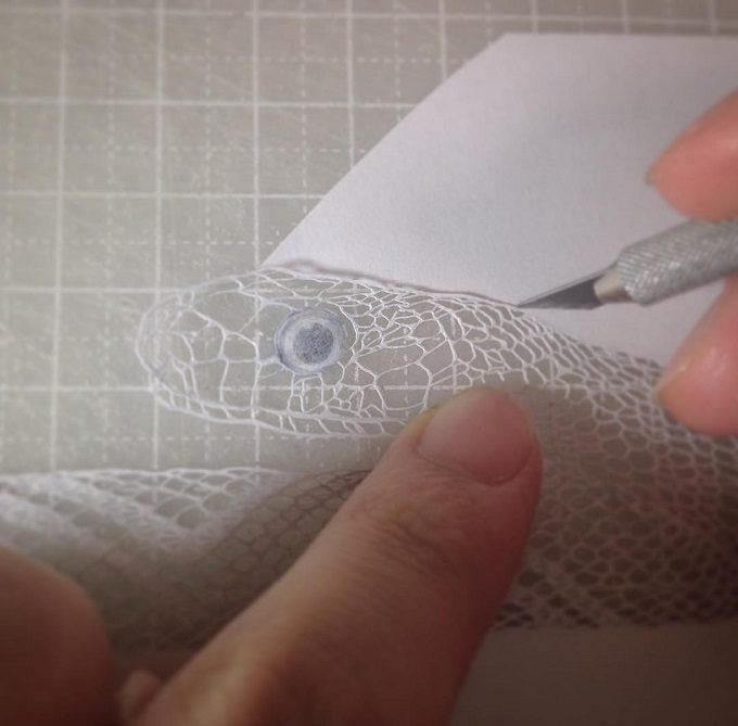 カッター一本で生み出される美しさ。見惚れるほど繊細な魚谷彩さんの切り絵
