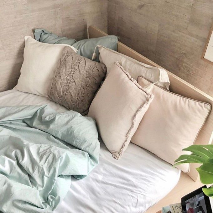 自分好みの眠りの空間が作れる。「La Redoute」の寝具で作る寝室インテリア実例