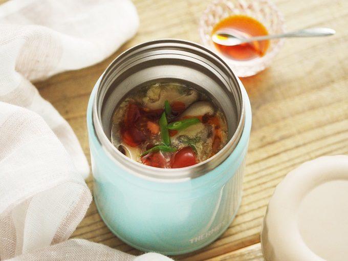 寒い冬には温かいお弁当を。ランチタイムに食べごろ「酸辣湯がゆ」のレシピ