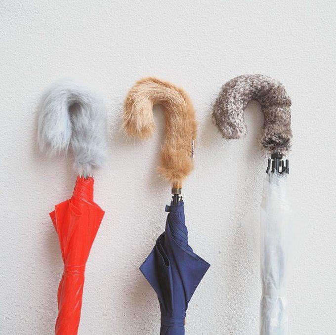 冷えた指先をふんわり包み込む。フワフワに癒される傘の持ち手カバー「kasa shippo」