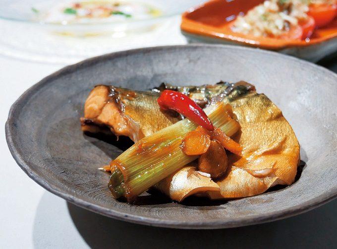 忙しいときの味方。肉・魚・野菜どれにも合う、松井美緒さんの簡単万能だれ&レシピ3選