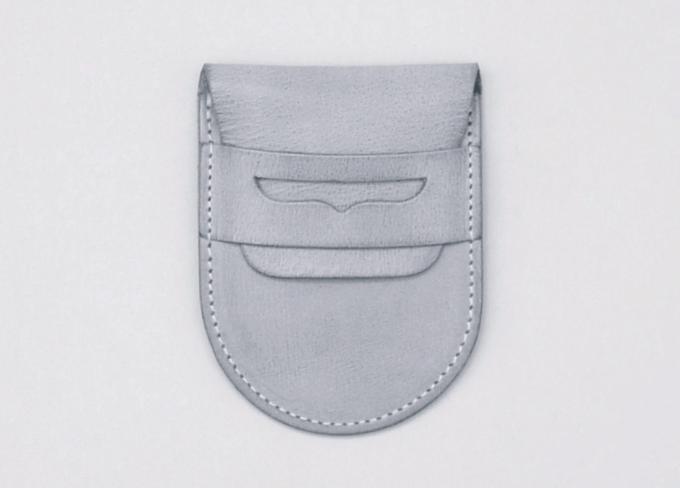 シンプルながらも個性豊かなデザイン展開。経年変化も楽しみな「REEL」の革のお財布