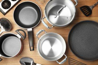家事がぐっと楽になる。元・無印良品商品企画者が実践する、調理器具&掃除用具選びの本が登場