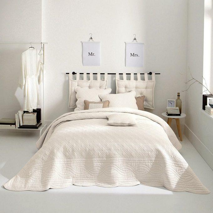 ホテルライクな部屋づくりアイデア。自宅で非日常感を楽しむインテリアコーディネート実例