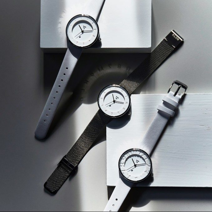 爽やかな「白」とクールな「黒」。上品なモノトーンの世界観に魅了される「KLON」の腕時計