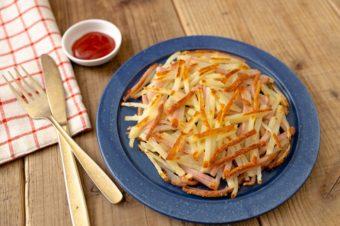 おうちで簡単。旬の春野菜を使った魚肉ソーセージ時短レシピ<2選>