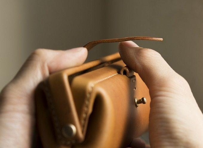 デザインや質感、仕立ての美しさに心惹かれる。「Kichijitsu」が丁寧に作る革小物