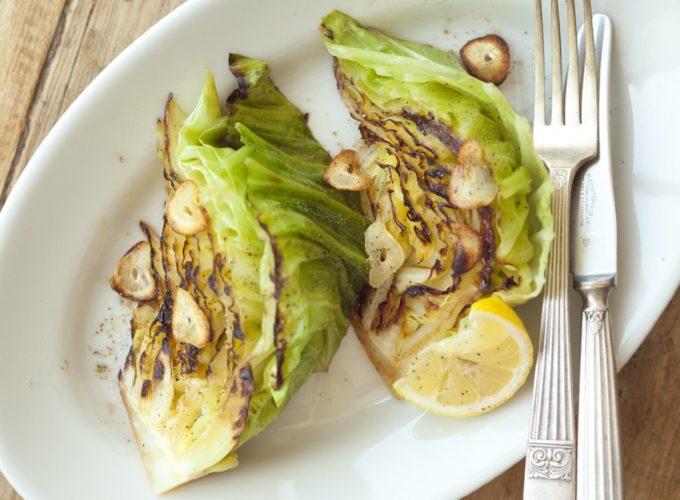 旬の春キャベツそのものを味わう。調理時間10分で大量消費も叶う簡単レシピ<2品>