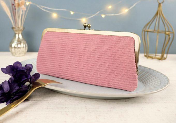 上質な革本来の魅力を堪能。晴れやかな気分へと誘うカラーに魅了される「cuirdeson」の財布