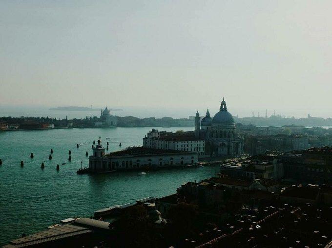 いつか失われる儚い姿が胸を打つ。元搭乗員が選ぶ「世界の消えゆく美しい都市」5選