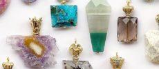 お守りのように身に着けたい。「AcuteAccent」の香水瓶型天然石ネックレス