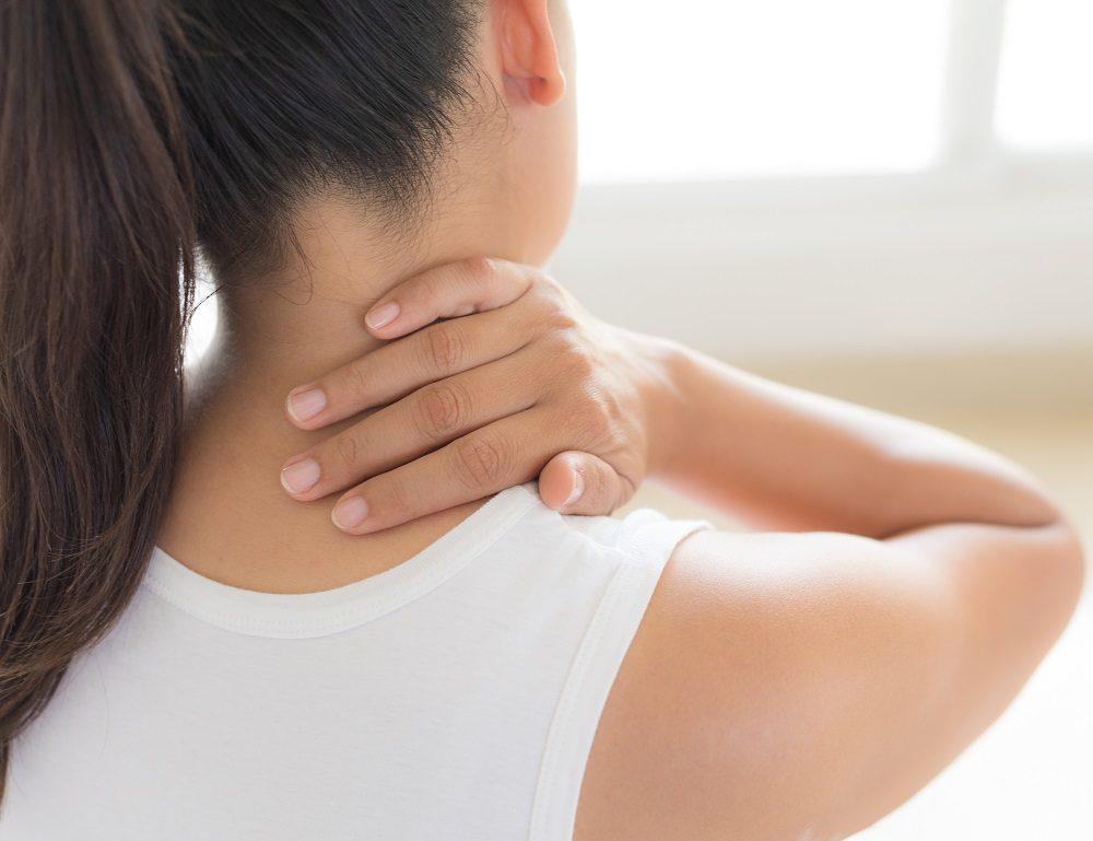ひどい肩こりを解消。理学療法士が教える簡単ストレッチと肩こりを起こしにくくする習慣   Sheage(シェアージュ)