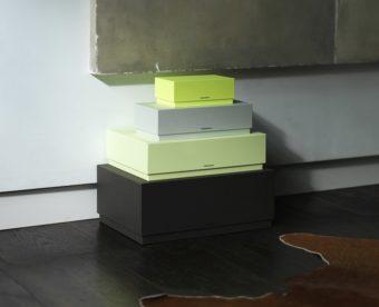 シンプルなデザインに美しい色が映える。「YROEHT」のおしゃれなインテリアボックス