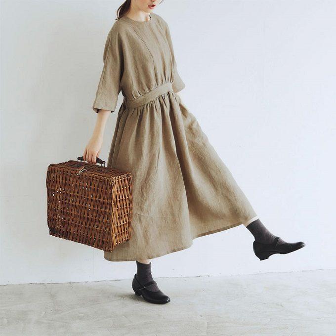 汗ばむ季節もお洒落に快適に。大人がときめく「MAGALI」の天然素材を使った夏服<3選>