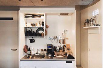 一人暮らしの狭いキッチンでもできる。スペースを確保して使いやすくする収納アイデア10選
