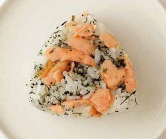お弁当にも大活躍。鮭の切り身が豪華に変わる知識&レシピ満載の『鮭とごはんの組み立て方』