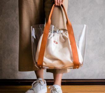 軽やかかつ上品。夏に持ちたい「chouchou masako」の革×クリア素材のバッグ