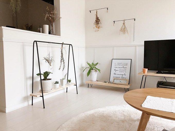 部屋が広く見える。低めの家具だけで快適に暮らす、一人暮らしのロースタイルな部屋実例集