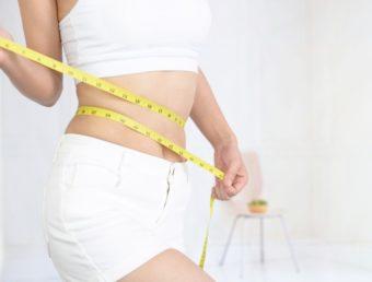 ぽっこりお腹は「呼吸」と「姿勢」を意識して。ヨガインストラクターに教わるお腹引き締め習慣