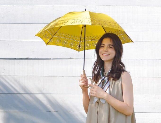 日差しが眩しい日も、雨の日も。どんな天気でも楽しみをくれる「because」の雨晴兼用傘