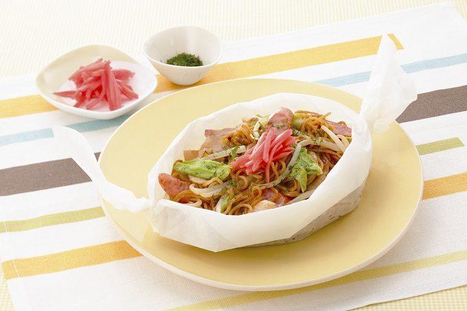 フライパンを洗わなくていい。レンジ加熱5分以内!夏に食べたい絶品焼きそばレシピ<4選>