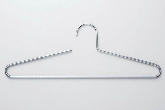洗濯物、もう畳まなくてOK。ジーンズや小物も掛ける収納ができる「ミニマムハンガー」