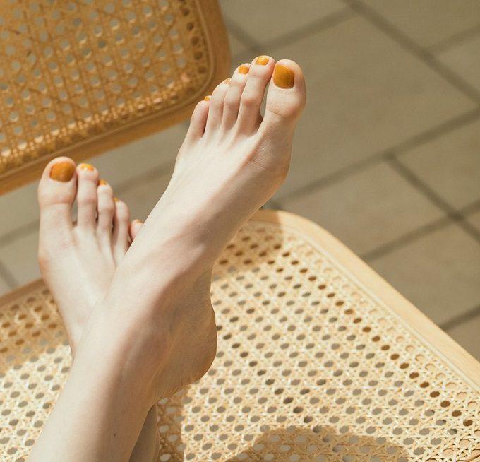 絶妙な色合いにときめく。「rihka」のネイルポリッシュで作る大人の夏色ネイル