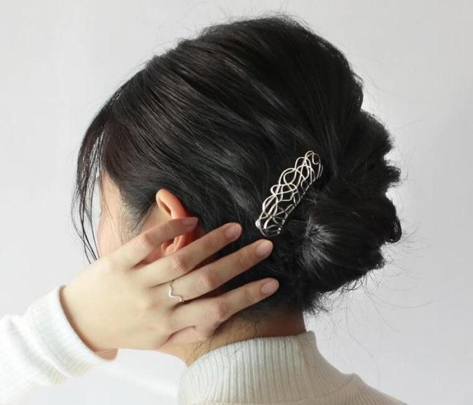 不器用さんにもおすすめ。たった2分でまとめ髪ができる「三代目板金屋」のかんざし